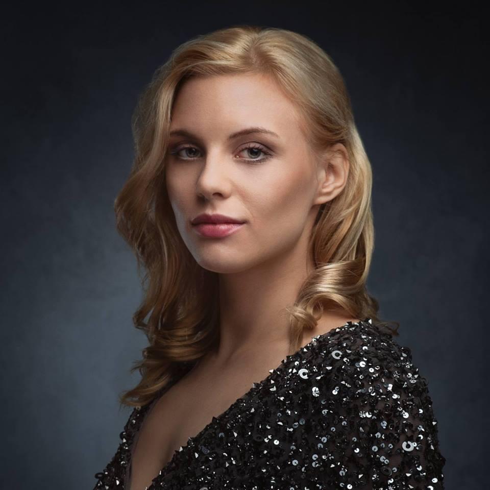 Amy Redmo - Jonas Olson