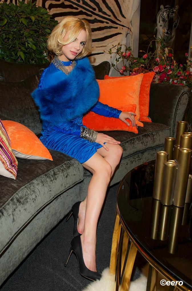 Amy Redmo in Peep + MOD for harkontroll